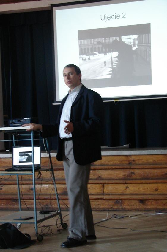 Wykładowca, dr Mikołaj Jazdon z  UAM w Poznaniu
