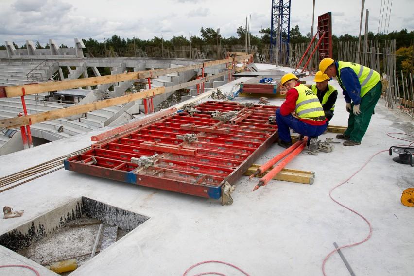 Budowa całego Stadionu Miejskiego w Białymstoku kosztowała...