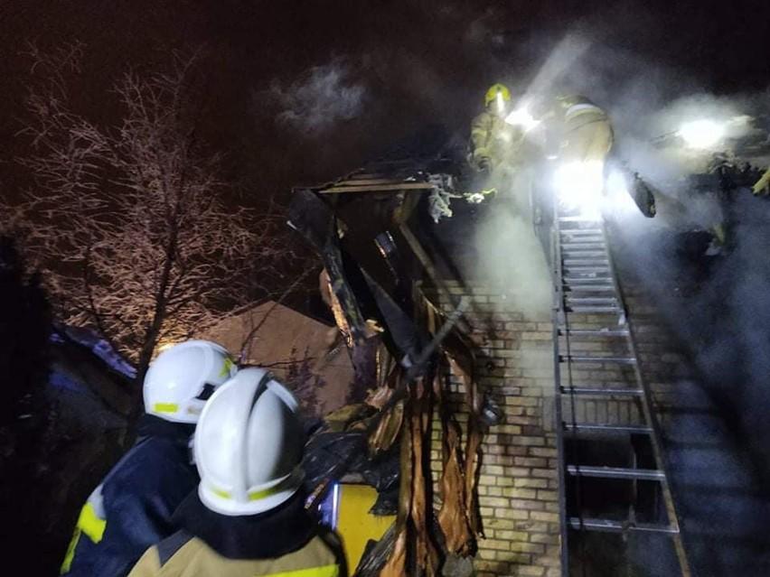 Fasty. Pożar domu jednorodzinnego. Dach stanął w...