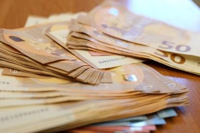 a84feec79 Włamywali się do sklepów i kradli w Austrii. Straty to 170 tys. euro ...