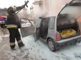Pożar samochodu przy przychodni zdrowia w Koronowie [zdjęcia]