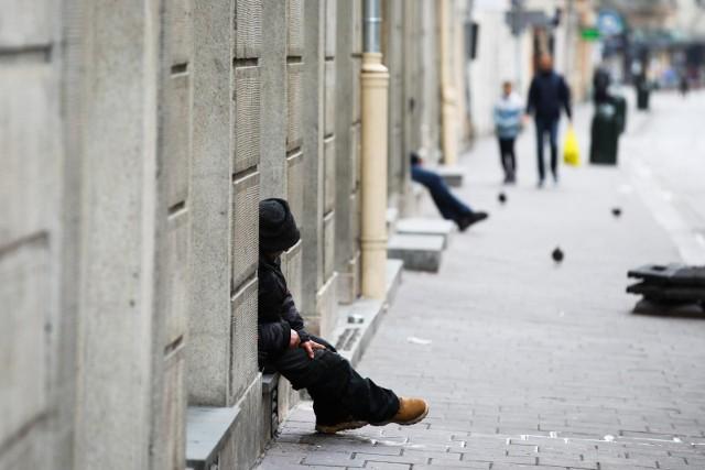 - Sytuacja bezdomnych w Krakowie jest bardzo trudna – mówi dr Maria Maciaszek z Fundacji Przystań Medyczna.