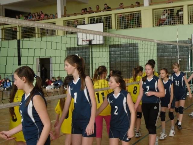 Młode słupszczanki grają także jako Akademia Pomorska Czarni w lidze młodziczek województwa pomorskiego.
