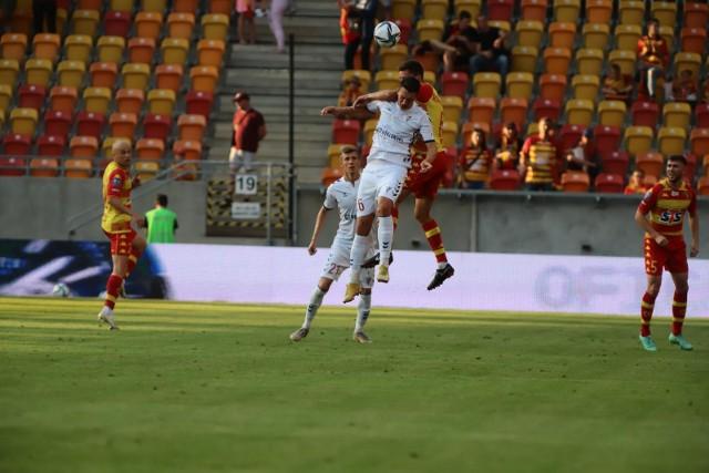 Krzysztof Kubica w walce o piłkę
