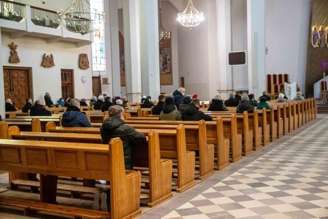 W kościołach obowiązuje nowył limit liczby wiernych - 1 osoba na 20 m kw.