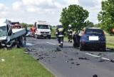 Śmiertelny wypadek pod Pleszewem. Nie żyje jedna osoba po zderzeniu aut między Broniszewicami a Choczem