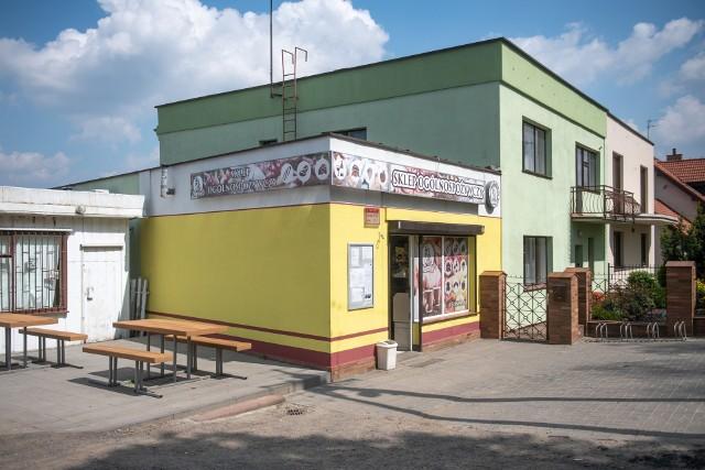 Patryk K., który brutalnie zaatakował sprzedawczynię w sklepie przy ul. Jaśkowiaka w Poznaniu, będzie odpowiadał za usiłowanie zabójstwa. Do sądu trafił już akt oskarżenia.
