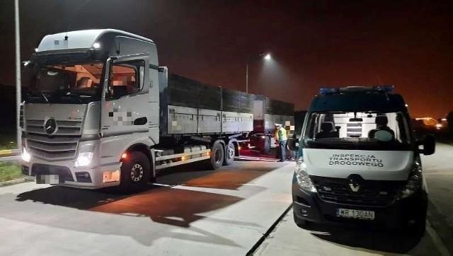 Inspektorzy zatrzymali w czwartek cztery ciężarówki, które przekroczyły dopuszczalną masę całkowitą.