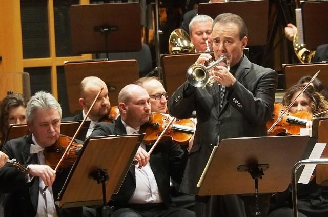 OiFP. Gary Guthman zagrał swój I koncert na trąbkę. Orkiestrą dyrygowała Marta Gardolińska