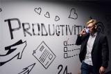 Jak założyć jednoosobową firmę 2020.  Ile wynoszą składki ZUS dla osób rozpoczynających własną działalność? [20.08.2020 r.]