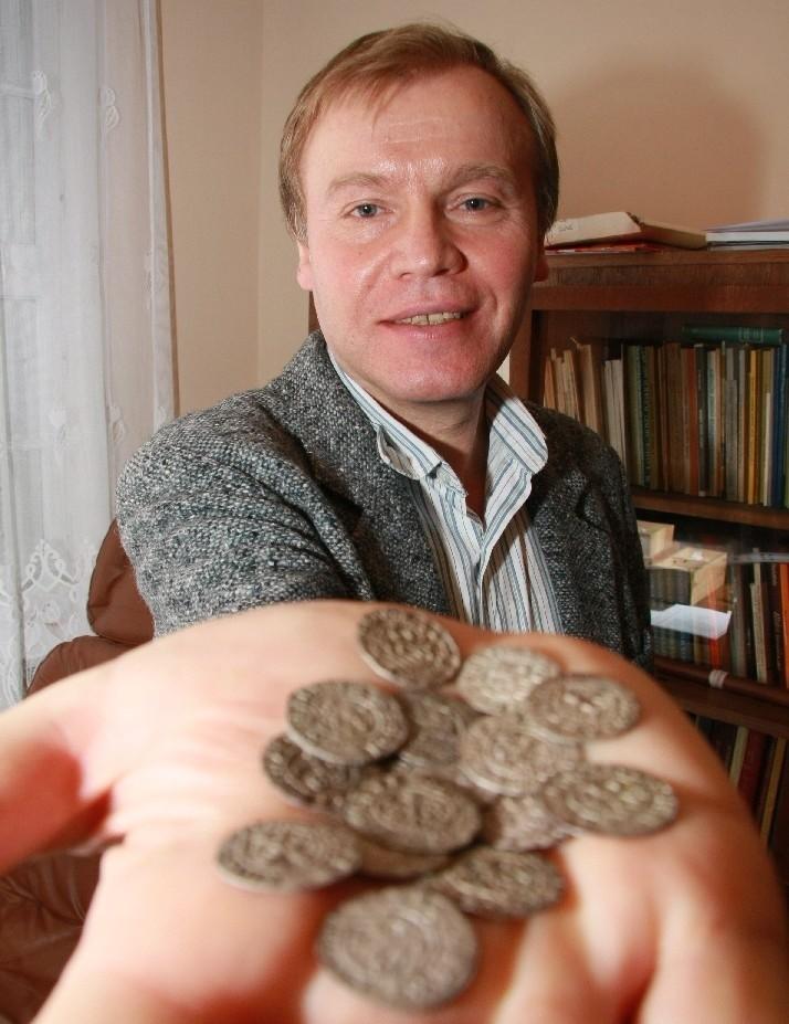 - Na wystawę do Świdnicy wyślemy kilkadziesiąt monet ze Skarbu z Zamostwa - zapowiada Andrzej Kirmiel.