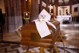 Pogrzeb arcybiskupa Henryka Hosera. Duchowny spoczął w podziemiach katedry warszawsko-praskiej