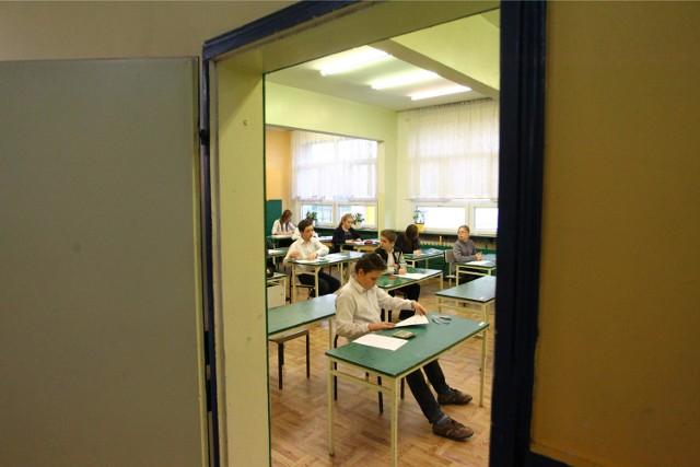 Sprawdzian 2015 szóstoklasisty: Brak prądu utrudni uczniom napisanie testu?