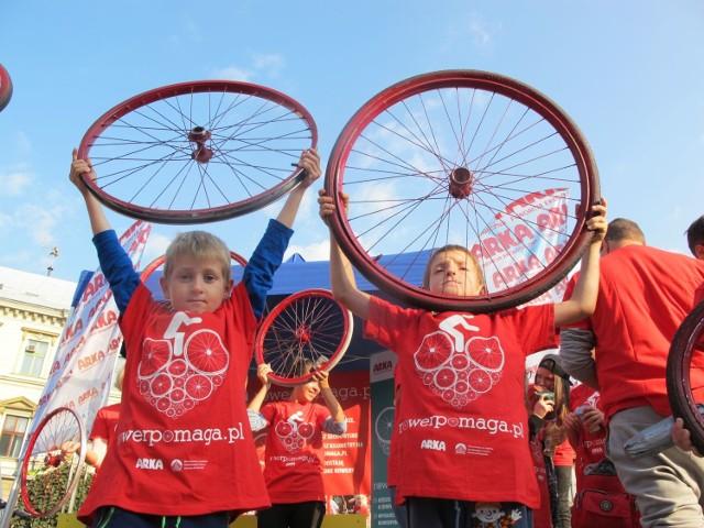 Kolejna, już siódma edycja akcji Rower Pomaga, rusza w środę 10 marca. Każdy może wziąć w niej udział.Zobacz kolejne zdjęcia. Przesuwaj zdjęcia w prawo - naciśnij strzałkę lub przycisk NASTĘPNE