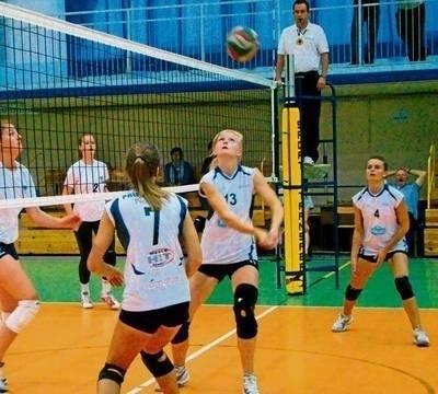 Fragment meczu finałowego, w środku Kaja Rydzyńska z Pogoni. FOT. ALEKSANDER GĄCIARZ