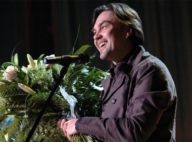 """Jurij Andruchowycz jest pierwszym laureatem Angelusa, uhonorowanym za powieść """"Dwanaście kręgów"""""""
