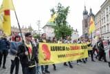 """Projekt ustawy """"Stop aborcji"""" Fundacji Pro-Prawo do Życia trafił do Sejmu. Działacze zebrali 130 tysięcy podpisów"""