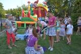W Radomicach w gminie Lipno na pikniku na pożegnanie wakacji bawiły się całe rodziny. Zabawa była fantastyczna! [zdjęcia]
