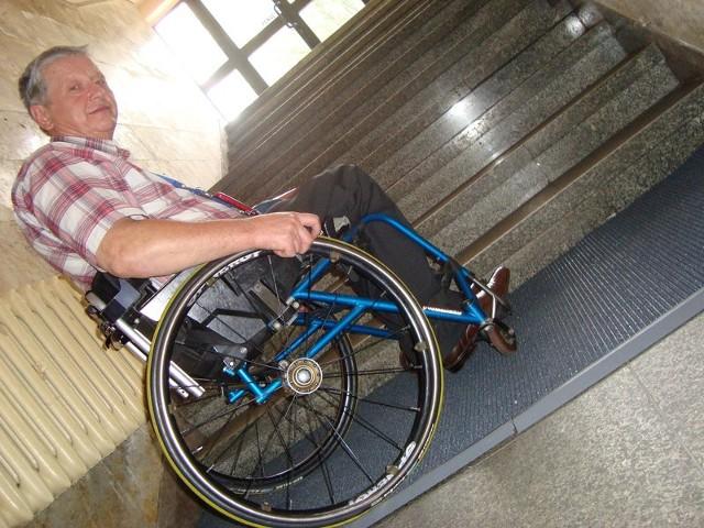 O uruchomienie przez miasto komunikacji dla inwalidów zabiegał m.in. Bogusław Nowak.