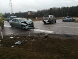 Wypadek na skrzyżowaniu DK 65 i DW 670. Dwie kobiety w szpitalu (zdjęcia)