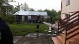 Burza w Podlaskiem. Pożar od pioruna i połamane drzewa i zalane piwnice. Strażacy mieli pełne ręce roboty