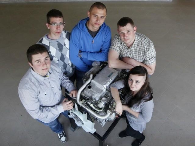 Praktyki w Niemczech przygotowały nas do pracy w nowoczesnych serwisach samochodowych – cieszą się uczniowie.