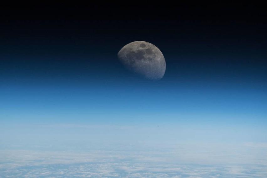 Zdjęcie opublikowane na Twitterze przez  astronautę...