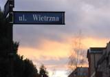 Silny wiatr we Wrocławiu i na Dolnym Śląsku. Ostrzeżenie meteorologiczne
