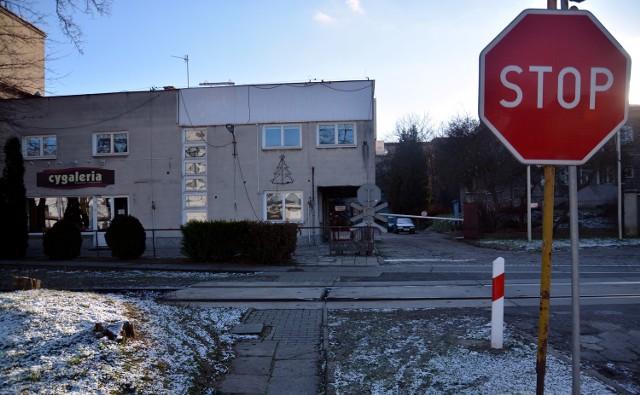 Właściciele akcji Zakładów Tytoniowych zostali na lodzie Pod koniec ubiegłego roku z siedziby ZTL przy ul. Wrotkowskiej zniknęły banery firmy.