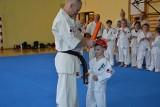 Udany egzamin na stopnie kyu w karate w Woli Morawickiej. Zdawali karatecy od 6 do...71 lat  [ZDJĘCIA]