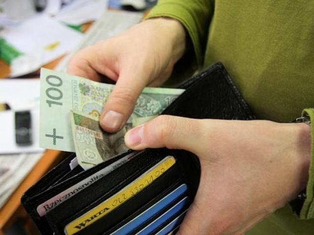 Płaca minimalna w 2015 roku powinna wzrosnąć maksymalnie do 1731 złotych, tj. o 51 złotych więcej niż w roku 2014.