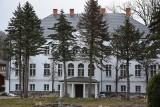 XIX-wieczny pałac Zitzewitzów w Biesowicach. Zmarnowano 20 lat. Teraz jest prywatny właściciel (ZDJĘCIA)