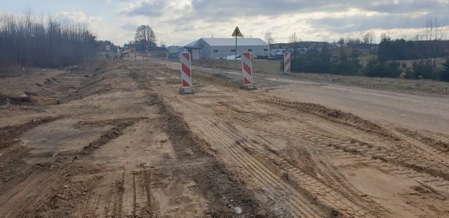 Przebudowa drogi Kudrycze- Wojszki miała się zakończyć w październiku 2021 roku