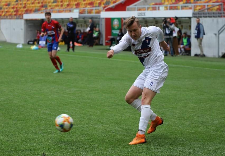 Piłkarze Olimpii Zambrów rozpoczęli nowy sezon poniżej...