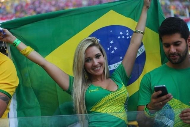 Mundial 2014 w Brazylii: Miss Mundialu, czyli najpiękniejsze kibicki [ZDJĘCIA DZIEWCZYN]