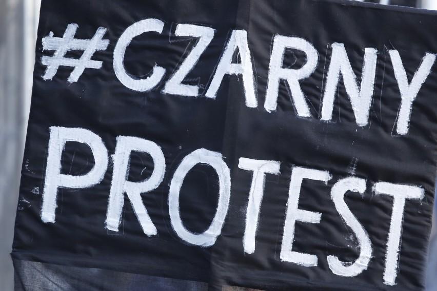 """""""Czarny protest"""" odbył się 3 października 2016"""