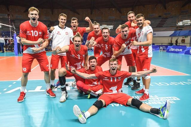Polscy siatkarze zdobyli srebrny medal na uniwersjadzie w Neapolu i zdobyli serca kibiców