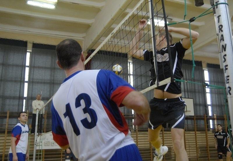 Siatkarze amatorzy zagrają w hali ZSP nr 3 przy ul. Zaborowskiej.
