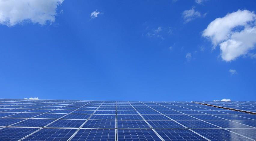 Szacowanie wielkości instalacji PV: jaka moc instalacji...