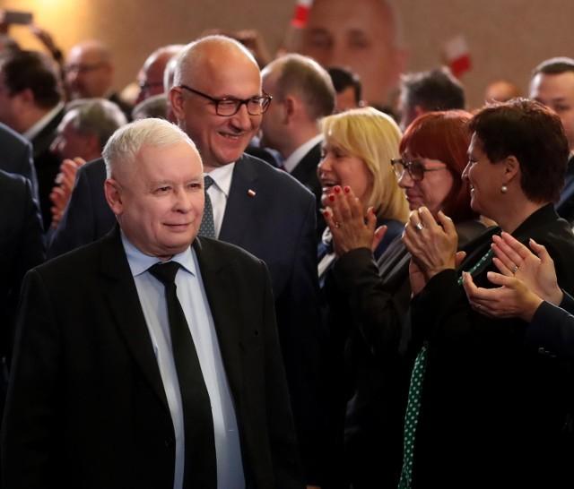 """W poniedziałek (13 maja) Jarosław Kaczyński wystąpi w... """"Pytaniu na śniadanie"""". Prezes PiS po raz pierwszy raz w życiu pojawi się w """"Pytaniu na śniadanie""""."""