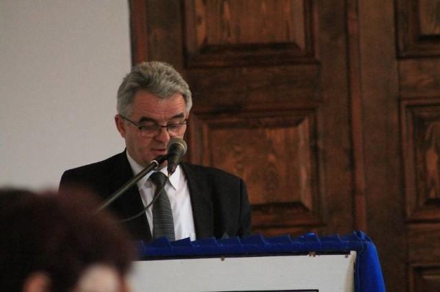Burmistrz Ryszard Spyra nie ma pieniędzy na wypłaty dla nauczycieli