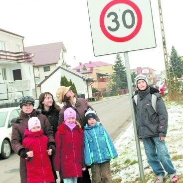 Ewelina, Milena, Mateusz i Bartek, tak samo jak ich mamy, mają dość kierowców, którzy łamią przepisy i stwarzają zagrożenie