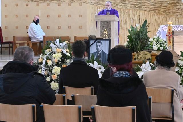 Pogrzeb Adama Wielgusa odbył się w sobotę, 20 marca 2021 w Kielcach. Przedsiębiorca przegrał długą walkę z Covid-19.