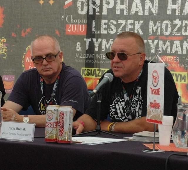 Jurek Owsiak informuje, że w Kostrzynie jest już ponad 300 tysięcy osób.