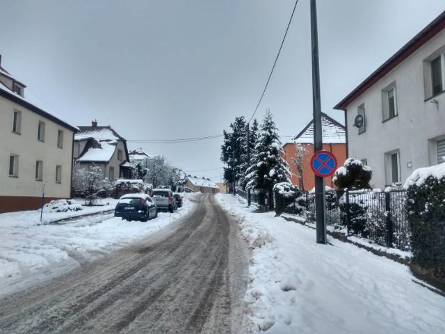 Kierowcy: zima znów zaskoczyła kierowców.