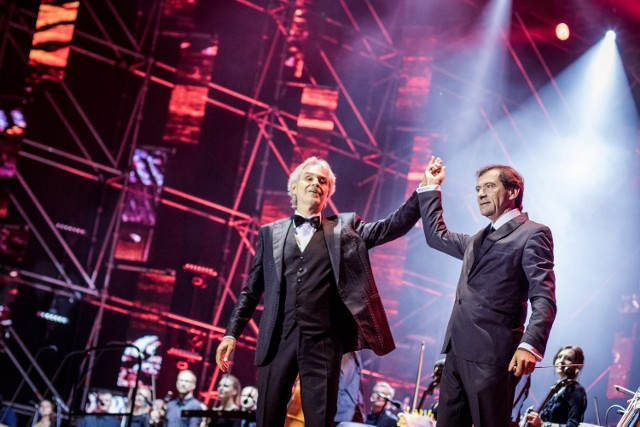 Występ Andrei Bocellego będzie jednym z najbardziej spektakularnych wydarzeń muzycznych, jakie wydarzyły się w Poznaniu w ostatnich latach. Bilety na koncert włoskiego tenora zostały wyprzedane, bo zainteresowanie jest rekordowe.