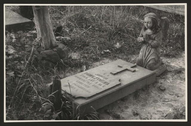 Cmentarz rzymskokatolicki przy ulicy Lipowej w Lublinie, grób dziecięcy.