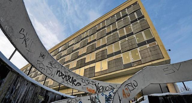 Nadal ważą się dalsze losy budynku hotelu Cracovia