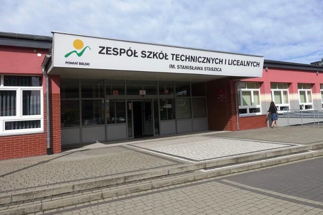 Powiat Bielski chce połączyć dwa technika, które mieszczą się w jednym budynku przy ul. Traugutta 11 w Czechowicach-Dziedzicach