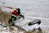 Filipów Czwarty. Tragiczny wypadek hyundaia. Kierowca utopił się w aucie, pasażerka zmarła w szpitalu